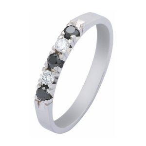 Zoekt u een alliance verlovingsring met gekleurde stenen? Kijk op verlovingsringkopen.nl!