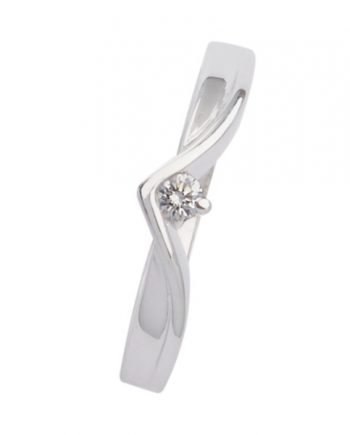 14 krt. witgouden verlovingsring (fantasie model) met 0.07 ct. aan briljant geslepen diamant van het merk Eclat. Model 4241.