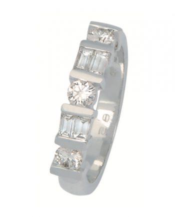 Witgouden verlovingsring met diamant van het merk Eclat, model R1712
